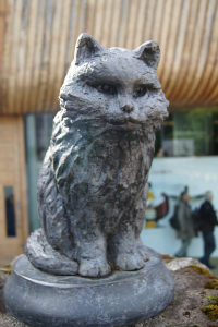 The Towser the Mouser statue at the Glenturret distillery in Scotland. Towser is in the <em>Guinness Book of World Records,</em> credited with killing 28,899 mice.